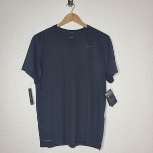 Nike Men's Hyper Dry T-Shirt in Black NWT Medium